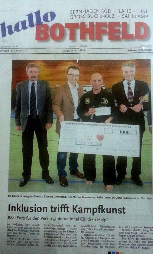 2013-10-21 Inklusion trifft Kampfkunst, 1000 EURO für den Verein Inter-NATIONAL CHILDREN Help e. V.