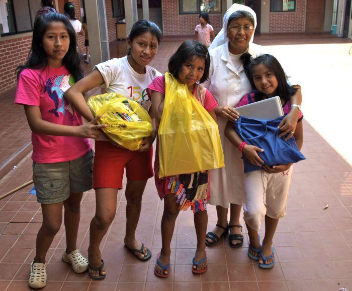 Lea Zimmermann in Bolivien, hier eine der Ordensschwestern