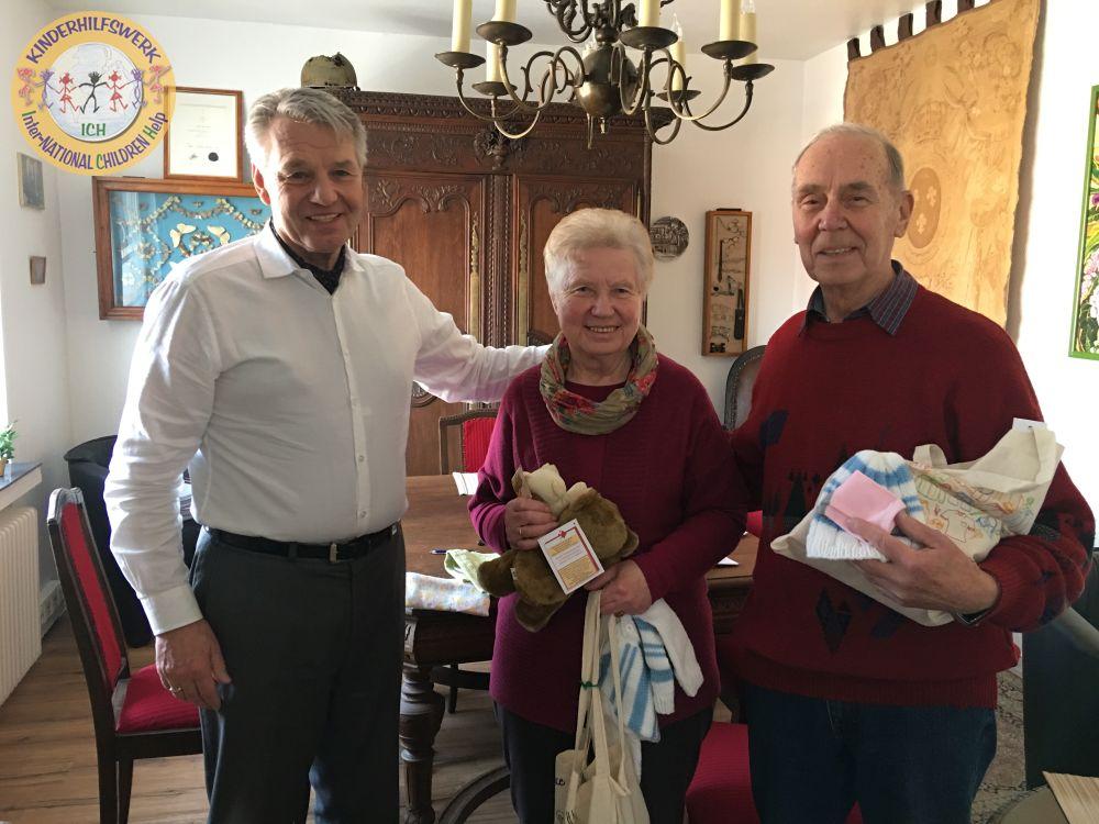 Dr. Dieter F. Kindermann, Elisabeth und Helmut Richter ICH Inter-NATIONAL CHILDREN Help e. V. www.ichev.de Rumänien Stadthagen Babycare