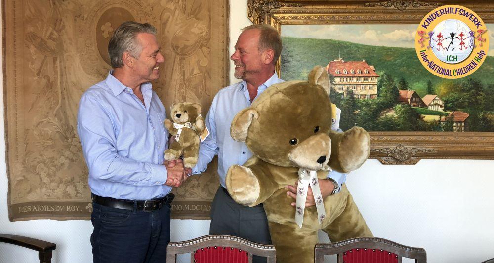 ICH e. V. spendet Teddys für RTWs