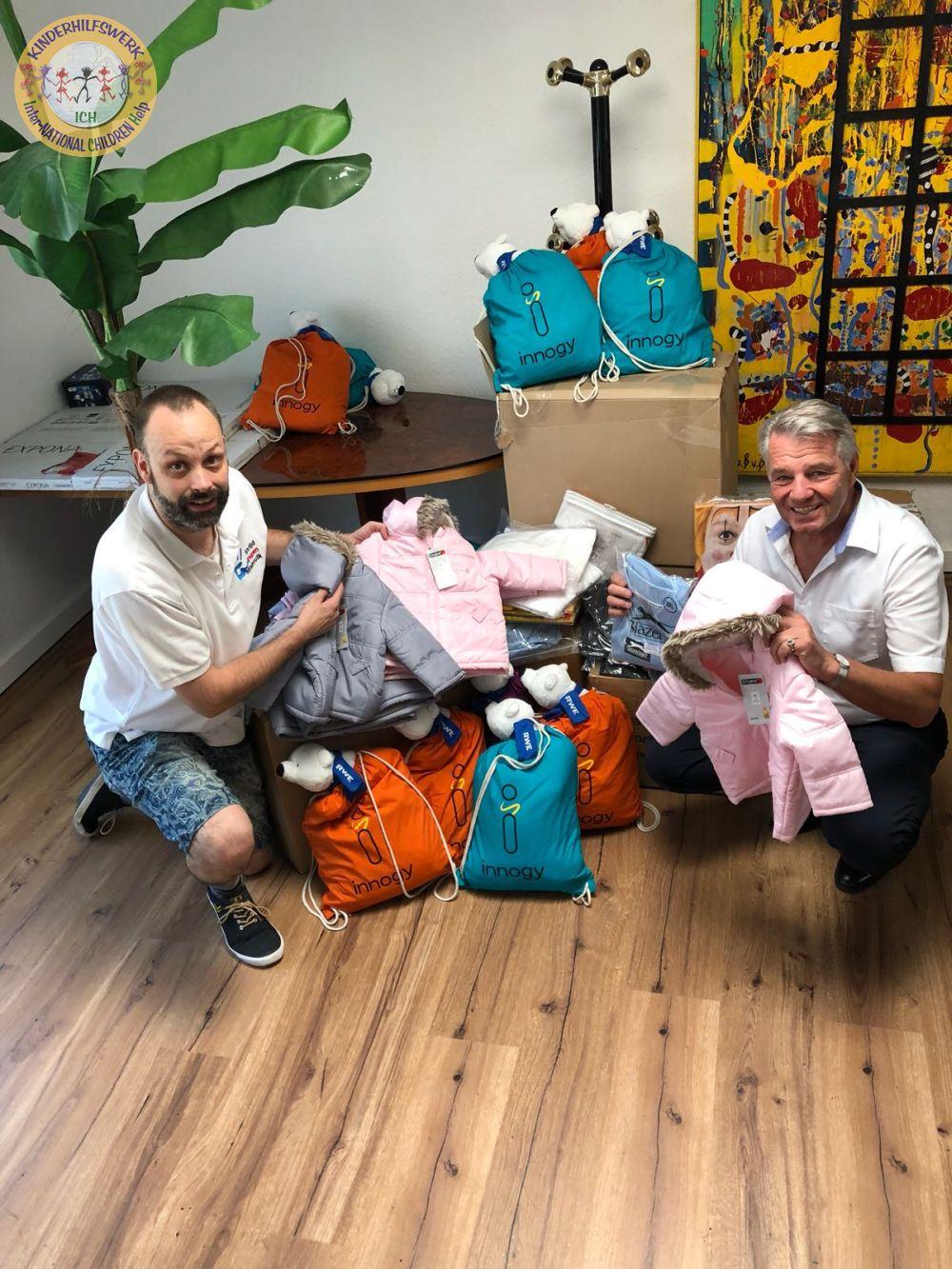 Marcel Jeninga / Vorstand Stiftung gegen Missbrauch liefert für rumänische Kinder