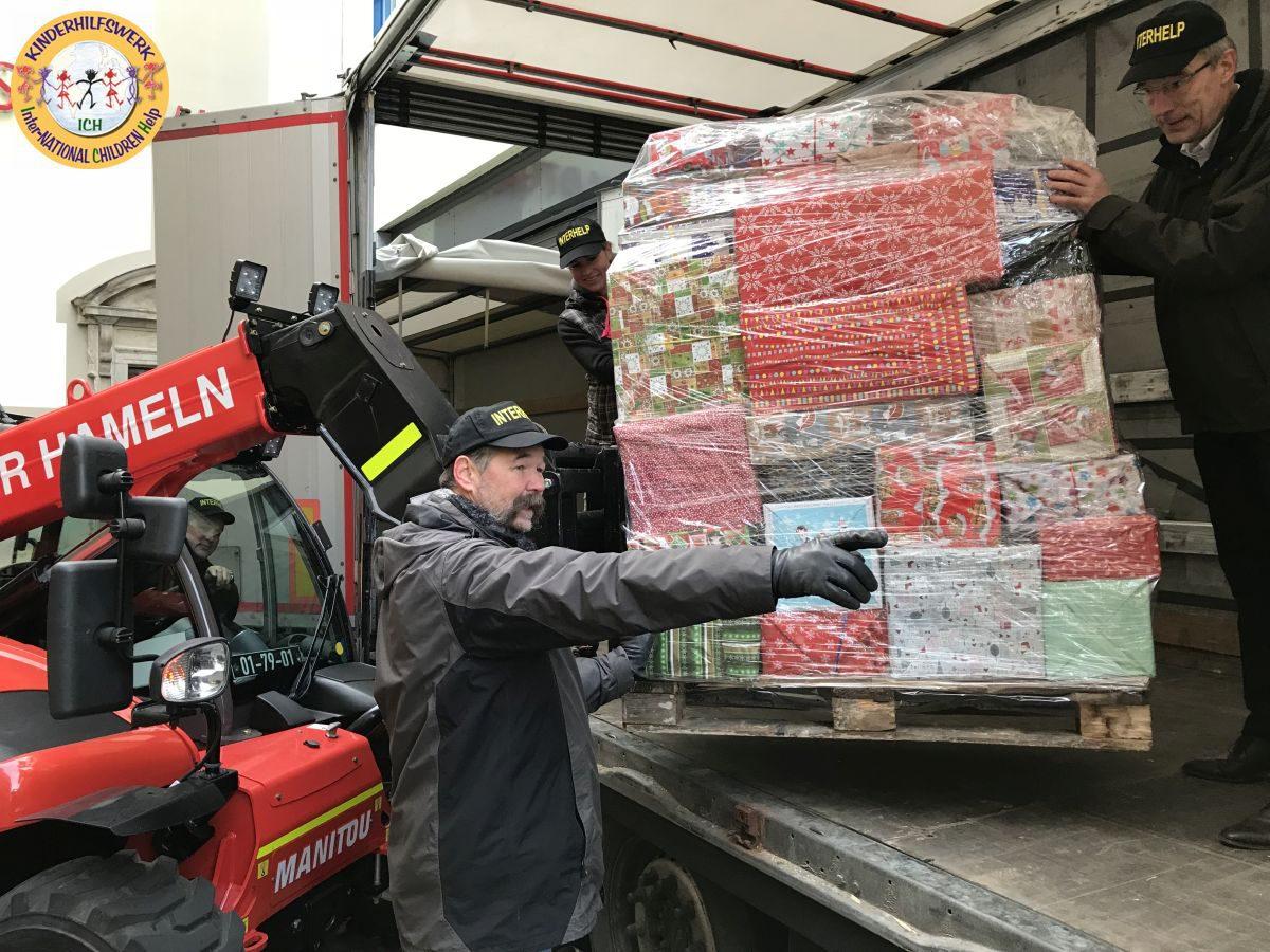 Interhelp: Sechs-Länder-Tour / Rotary-Lastzug fährt zu Kindern in Not