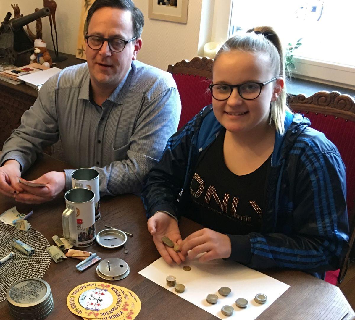 Kinderbotschafterin Anne Dabelstein sammelt 836,90 €
