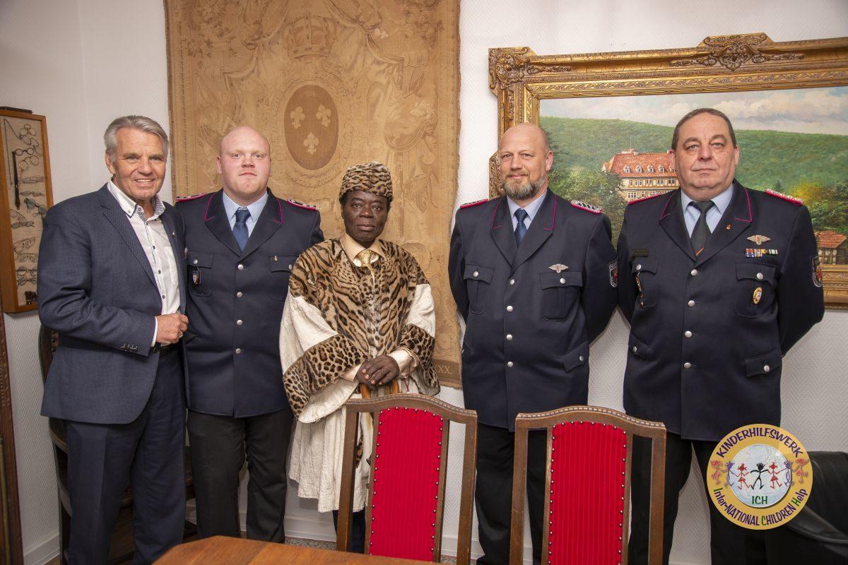 Bückeburger Brandschützer helfen mit ausgesonderter Schutzkleidung in Ghana