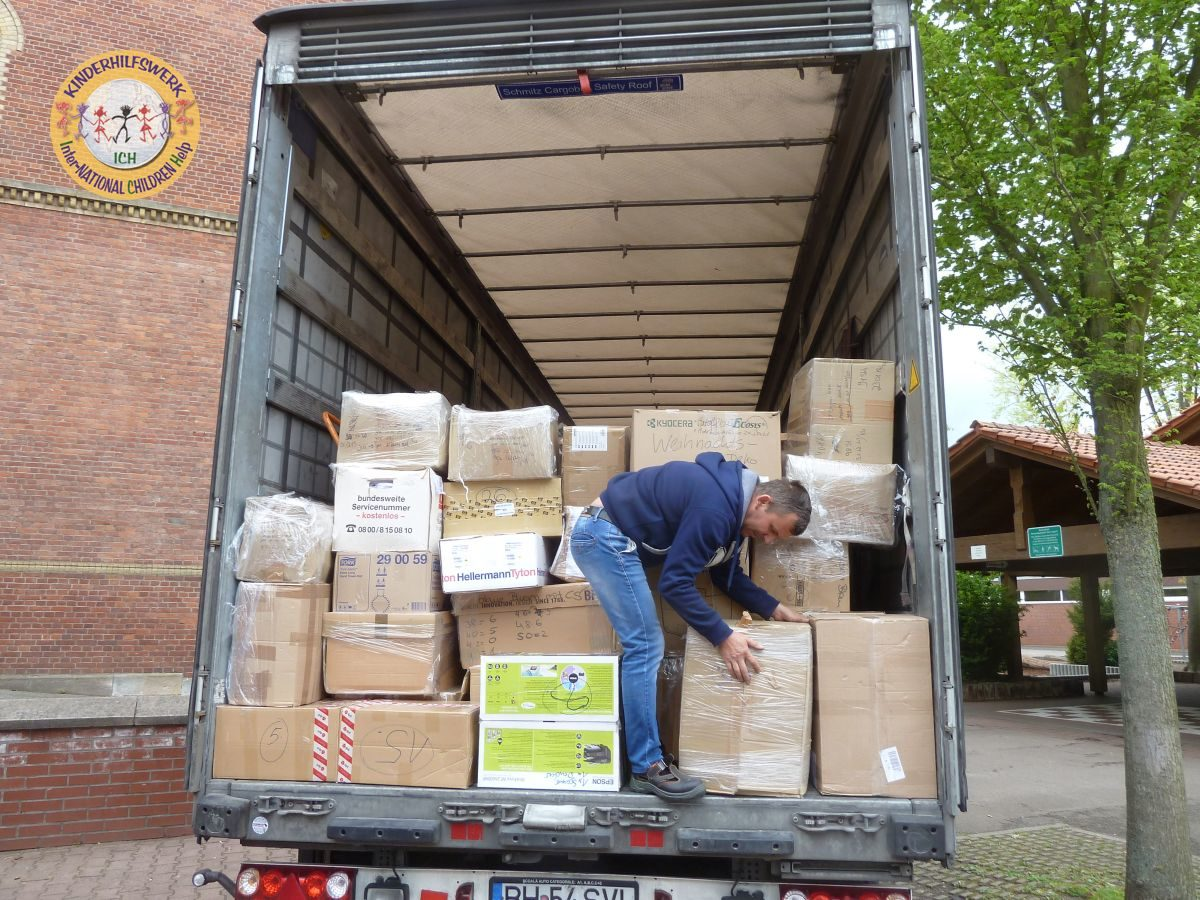 40-Tonner Hilfsgüter über ICH e.V. nach Rumänien