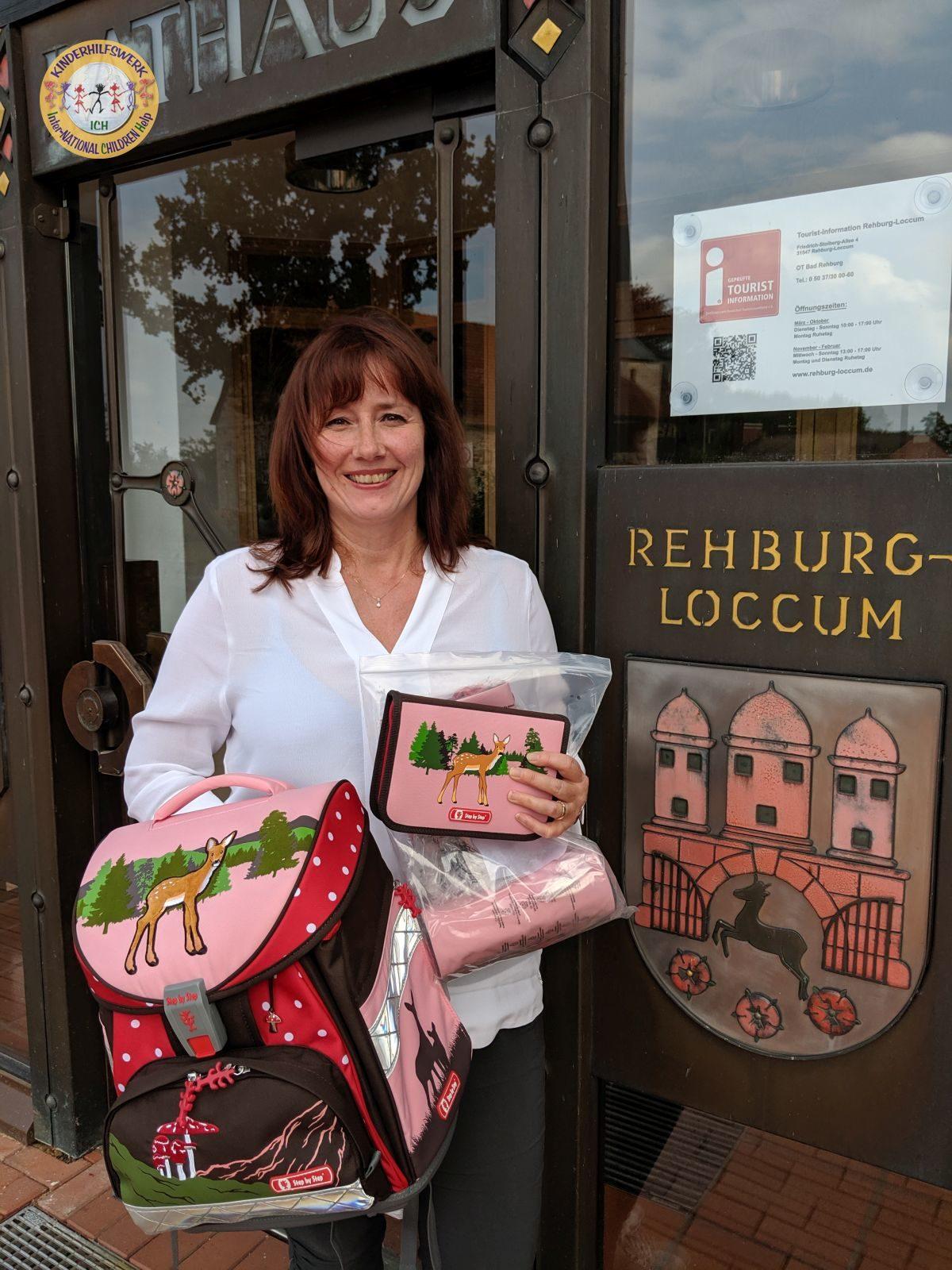 Schulranzen-Set an den Sozialfonds der Stadt Rehburg-Loccum