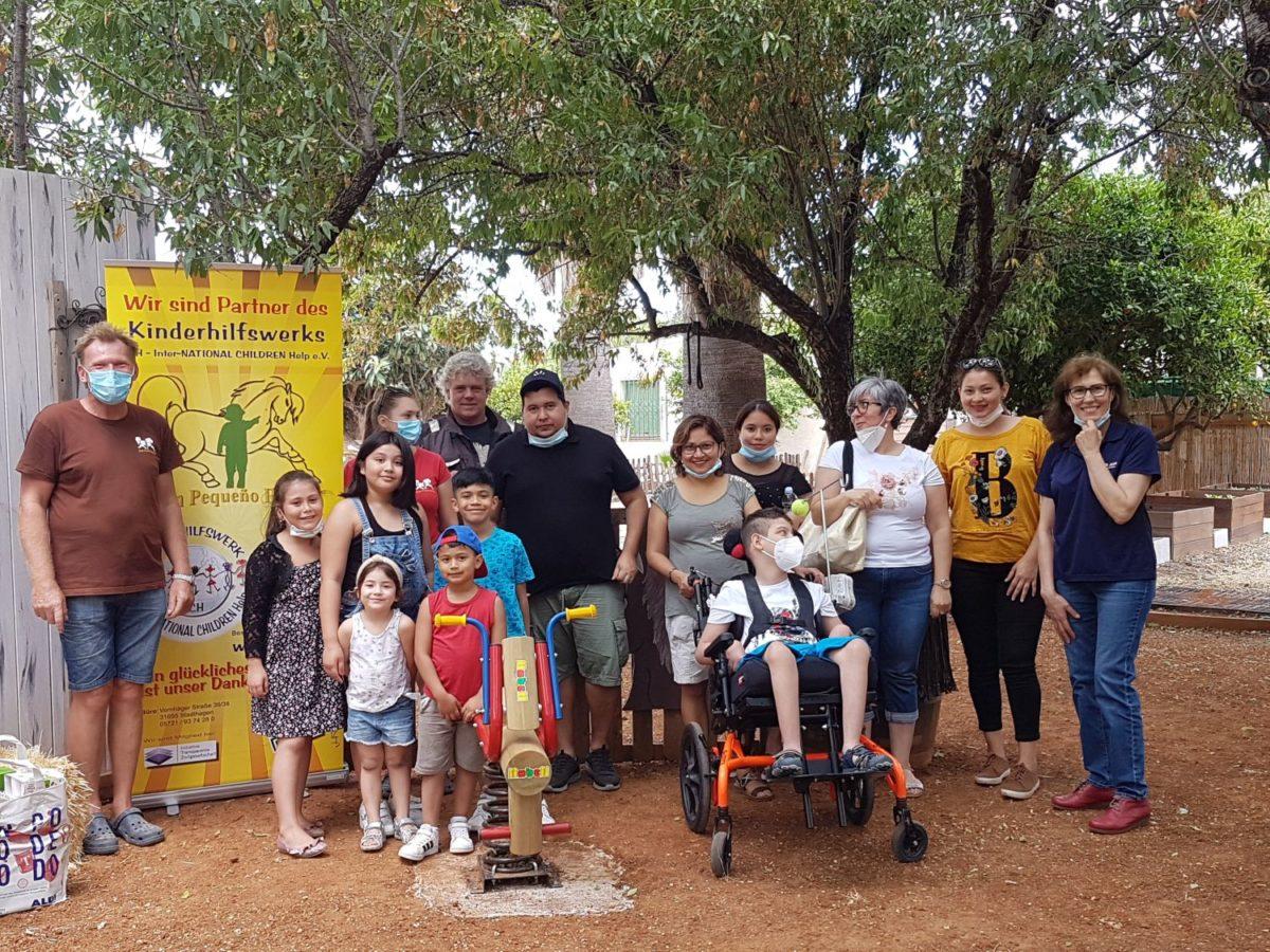 Glückliche Kinder in Denia (Spanien)