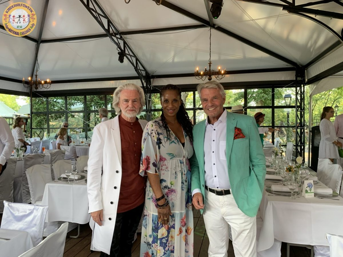 Marie-Luise Marjans Geburtstag bringt Freunde zusammen