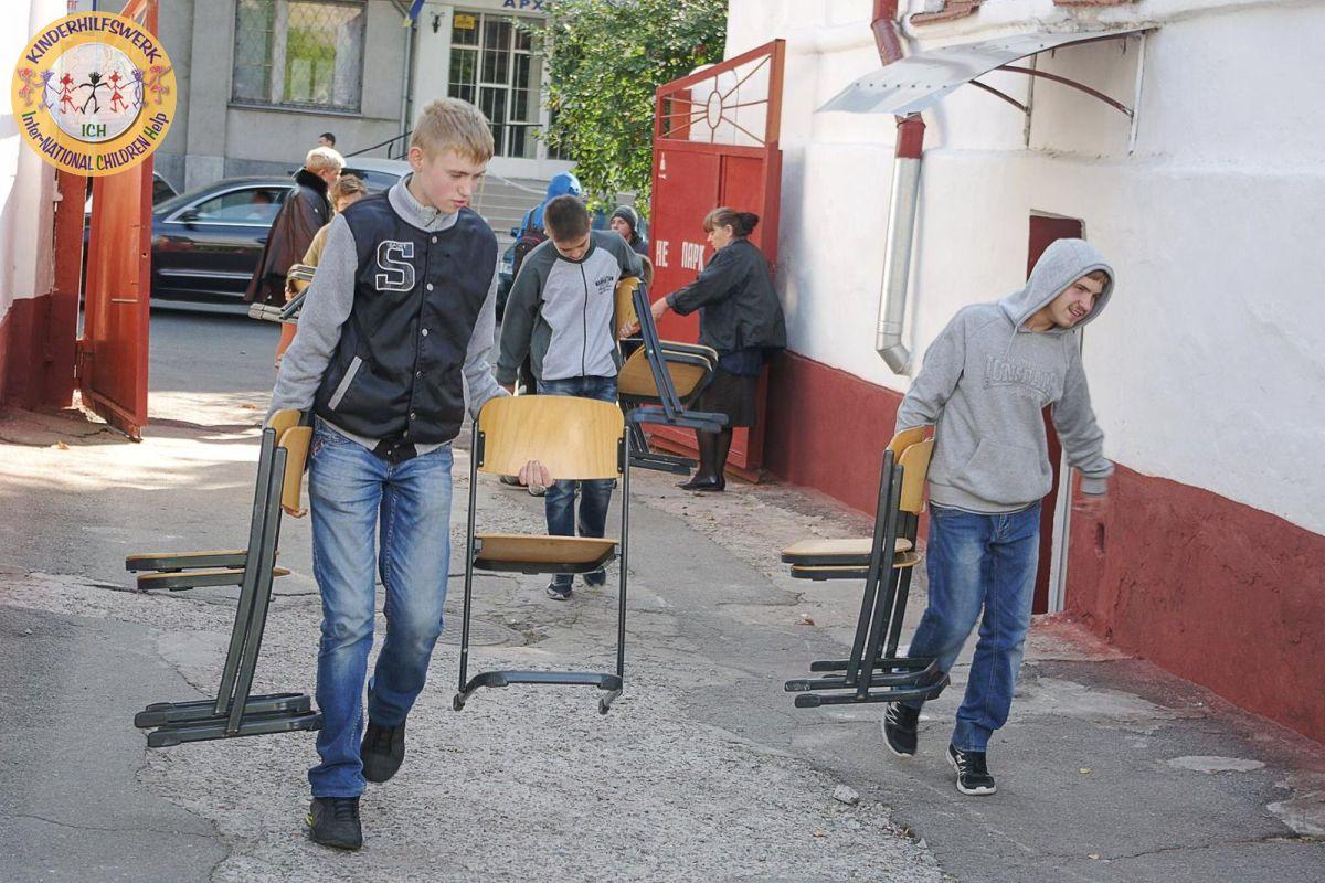 Umfangreiche Hilfslieferungen aus Stadthagen in die Ukraine