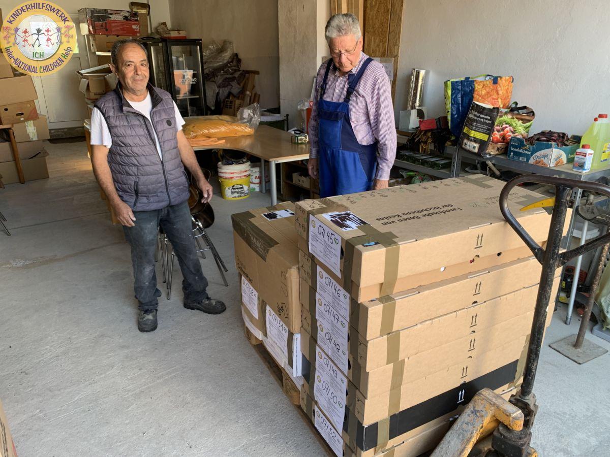 Hilfsgüterlieferung der Familie Köcher aus Frankfurt nach Stadthagen > 13 Stunden unterwegs
